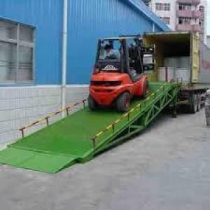 Plataforma elevatória carga e descarga